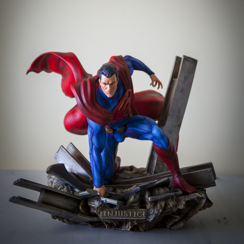 Escultura digital de Superman Injustice pintada